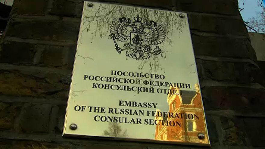 """""""A brit kormány csak dacol, nem lép föl Moszkva ellen"""""""