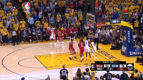 Los Warriors aplastan a los Rockets