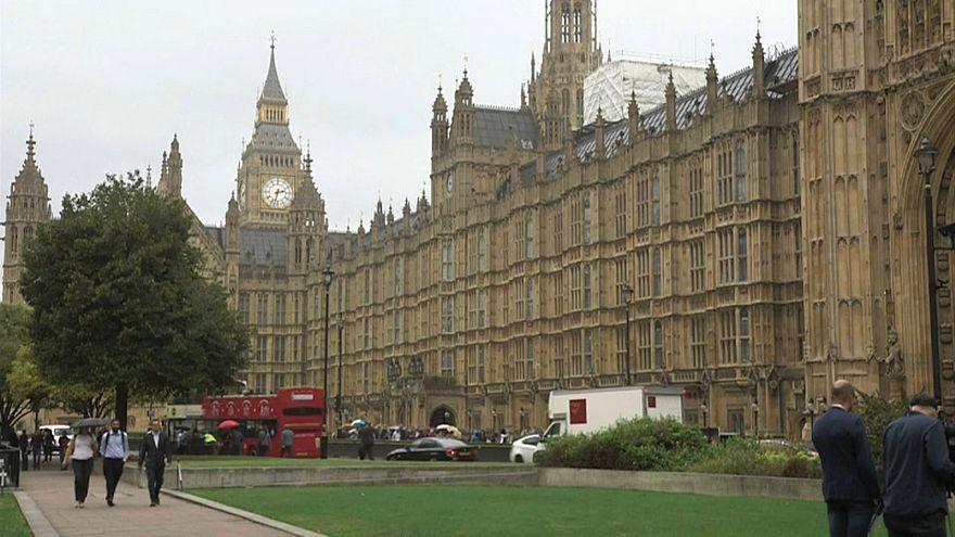 Oligarcas russos são ameaça à segurança britânica