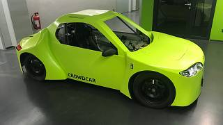 Running on 72-volt batteries, the Crowdcar has a range of 100 kms.