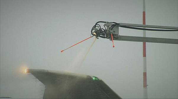 An alternative to chemically de-icing planes