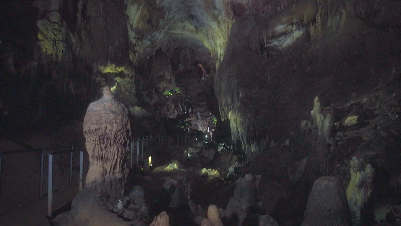 Кумистави — пещера Прометея