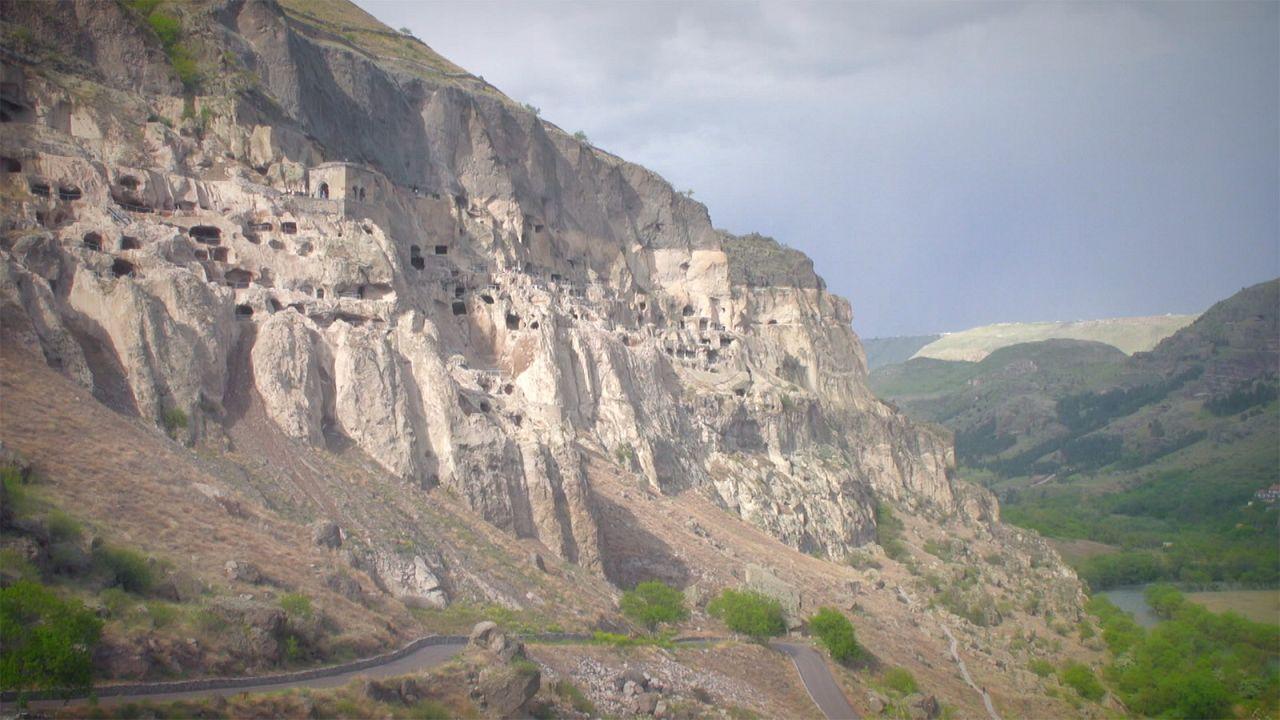 13 szintes barlangváros Grúziában