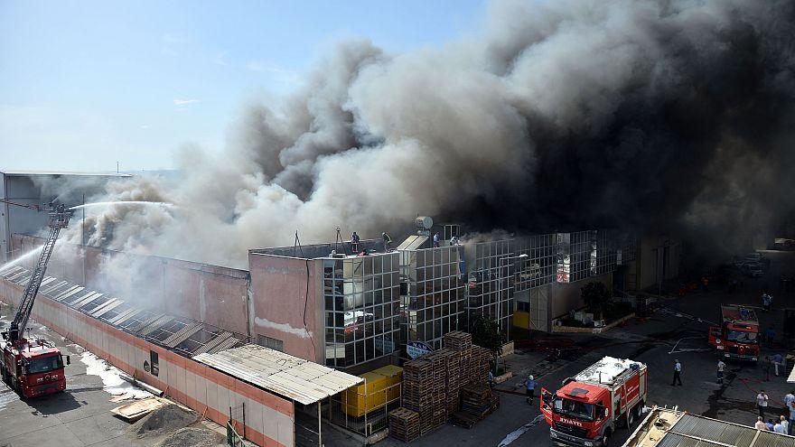 Mersin'de soğuk hava deposunda yangın