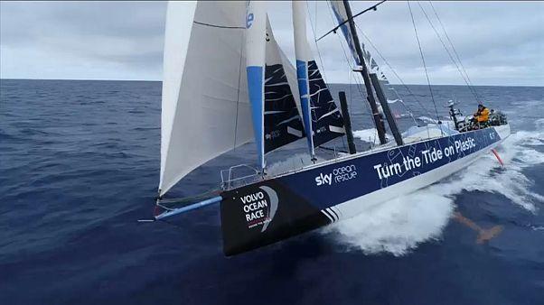 Volvo Ocean Race: Tripulações competem e sensibilizam para a poluição nos oceanos