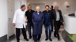 Kielégítő a kórházban lévő palesztin elnök állapota