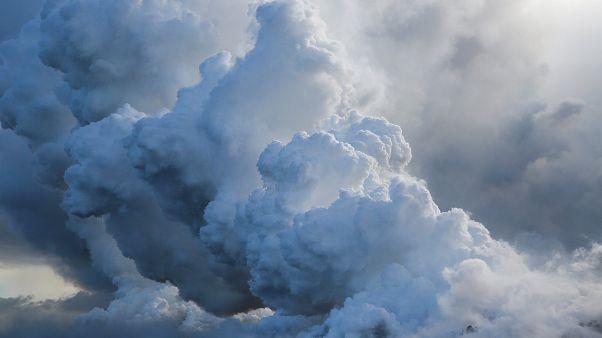 Fumées acides provoquées par volcan Kilauea à Hawaï.