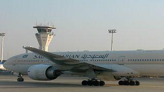 خلل فني كان وراء الهبوط الإضطراري لطائرة الطيران السعودي في مطار جدة