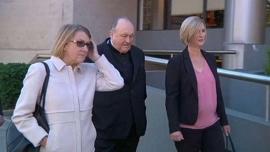 Arcebispo australiano culpado por encobrir pedofilia