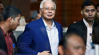Malezya eski Başbakanı Necip Razak yolsuzluk komisyonunda ifade verdi