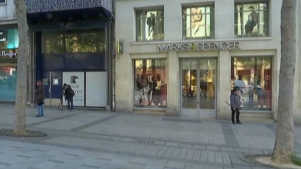 Marks & Spencer cerrará un centenar de tiendas en el Reino Unido
