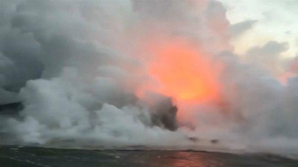 Hawaii, il vulcano continua ad eruttare