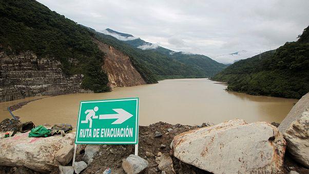 Κολομβία: Φράγμα κινδυνεύει να σπάσει - Εκκενώνεται οικισμός