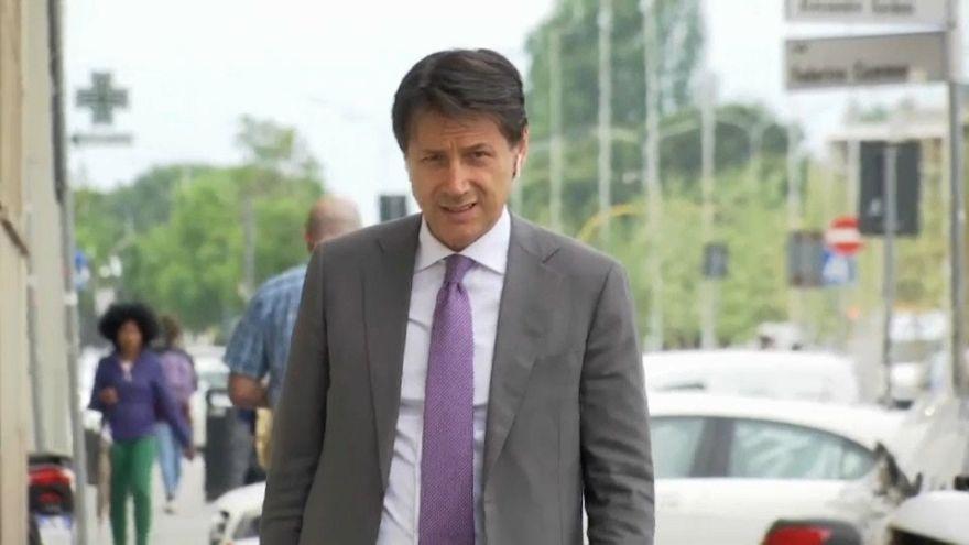 Giuseppe Conte attend le signal du président italien