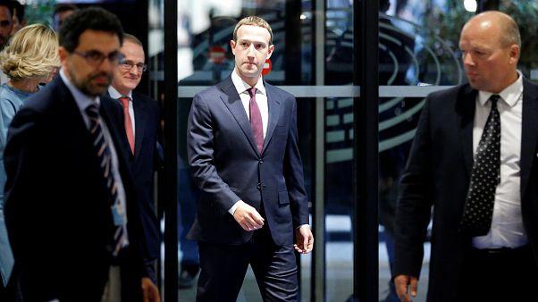 """Zuckerberg (34) vor dem Europaparlament: """"eine PR-Tour"""""""