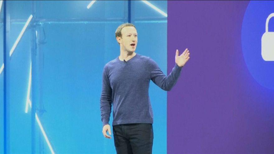 """Zuckerberg está """"casi en una gira de relaciones públicas"""""""