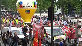 Французские госслужащие против
