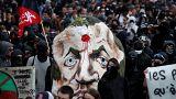 تظاهرات کارمندان دولت در پاریس به خشونت کشیده شد