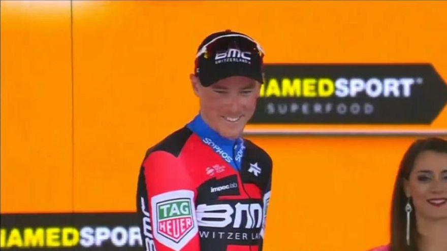 Giro: 16esima tappa a Dennis, Yates resta in Rosa