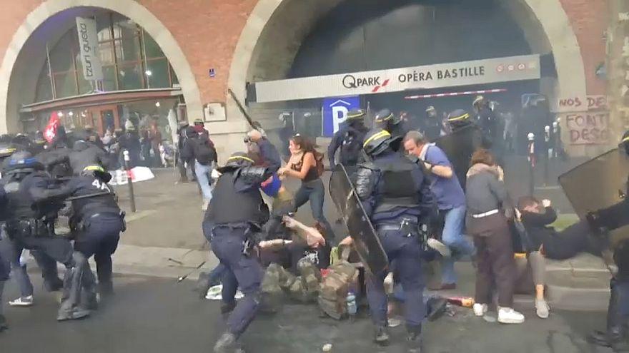 Fransa: Çalışma yasası reformuna karşı protestolar dinmiyor