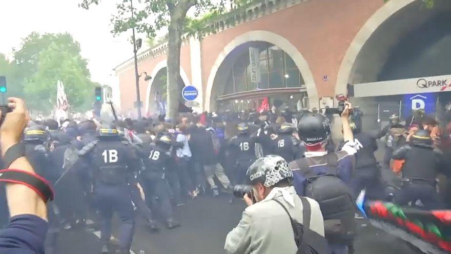 Francia: arresti a Parigi contro le riforme di Macron, proteste in 140 città