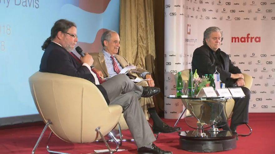 Bannon debate sobre el futuro de Europa en Hungría