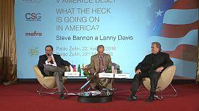 Steve Bannon a Praga, pensando all'Italia