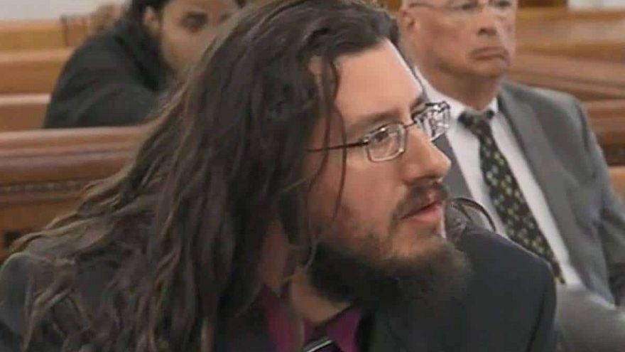 Oğullarını mahkeme kararıyla evden kovdular