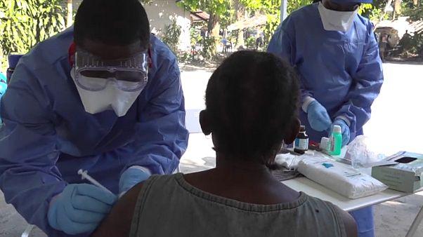 """WHO: Ebolaausbruch """"auf Messers Schneide"""""""