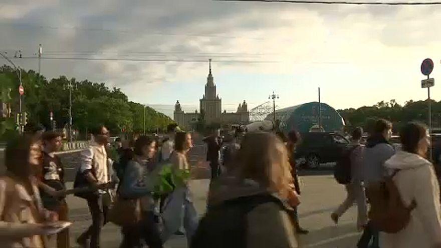 A foci vb ellen tüntettek orosz diákok