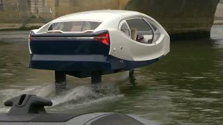 تاکسی پرنده روی آب در پاریس