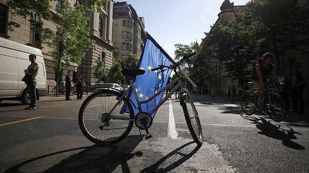 Eurobarómetro: Pertencer à UE é positivo para 60% dos entrevistados