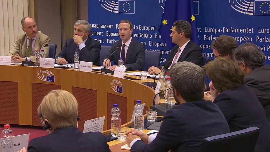 Mark Zuckerberg répond aux questions du Parlement européen