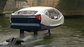 Un taxi volant sur la Seine