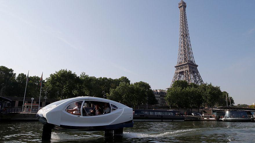 """شاهد: """"فقاعات الماء""""، سيارات أجرة تطير فوق المسالك المائية"""