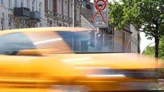Retos y perspectivas en el desarrollo del coche eléctrico