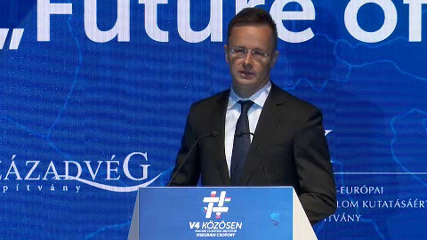 Szijjártó: az EP-választásokig el kell halasztani a nagy döntéseket