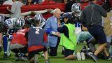 NFL: Senki sem térdelhet a himnusz alatt