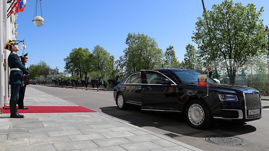 """الشركة التي صنعت سيارة ليموزين بوتين ستطرح سيارة """"رباعية الدفع"""" قريباً"""