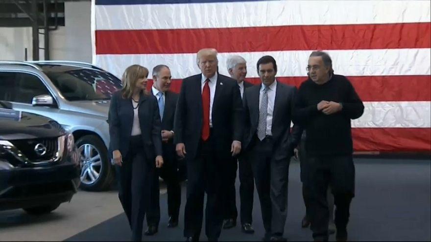 Trump estudia imponer aranceles a los vehículos importados