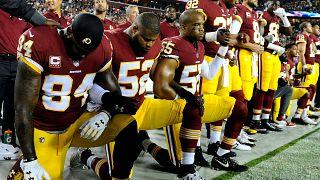 NFL: Πρόστιμο σε όσους γονατίζουν στον εθνικό ύμνο