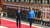 Merkel: Nükleer anlaşma konusunda Çin ile birlikte hareket edeceğiz