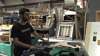Dal cassonetto alla mostra: i rifiuti al servizio di arte (e Pianeta)