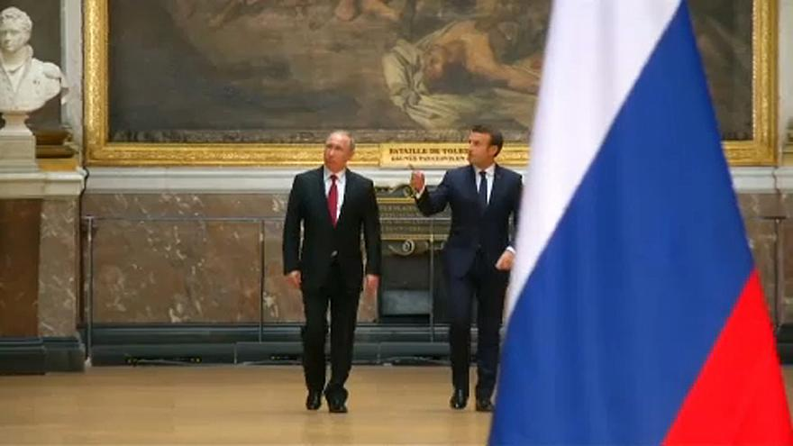 Macron: Trump kilépése az orosz pozíciókat erősíti