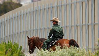 ترامپ حاضر نیست از دیوار مکزیک کوتاه بیاید