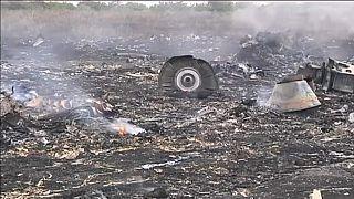 Malaysia Airlines, le indagini internazionali sull'abbattimento del volo MH17 puntano il dito contro la Russia