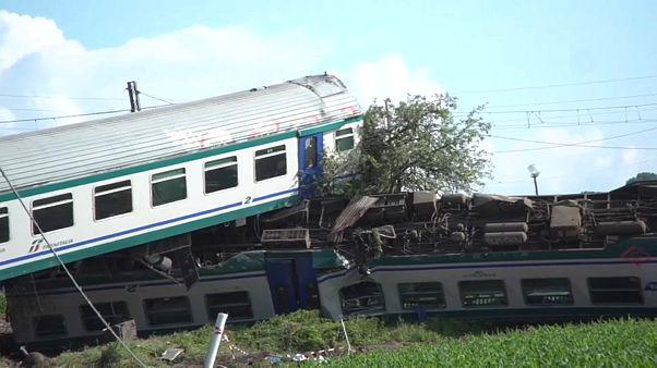 Al menos dos muertos en el descarrilamiento de un tren en Italia