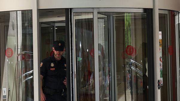 Polizisten bei der Razzia in Spanien