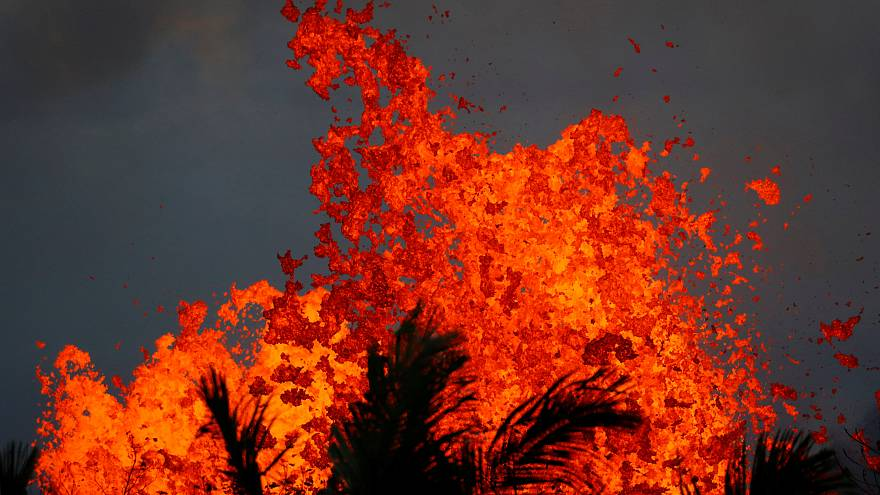 La lava del volcán Kilauea se dirige hacia una planta geotérmica