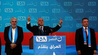 رئيس الوزراء العراقي حيدر العبادي يحيي مؤيديه في النجف بالعراق 03/05/2018